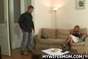 hawt mamma pleases her daughters bf