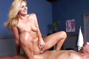 a animal of a milf squirting