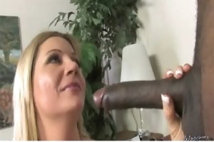 interracial-mommy-on-big-cock8 01