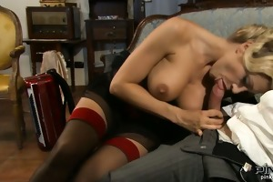 blond with ideal whoppers rides it is hard