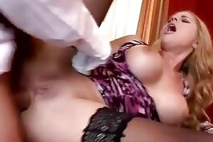 bigtits mama prefers hard anal with her bondman
