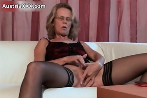 lascivious older doxy goes mad fingering