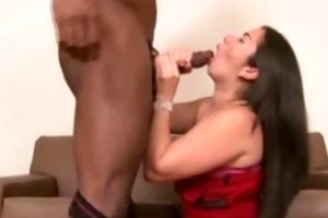 brazilian mamma on knees engulfing big shlong