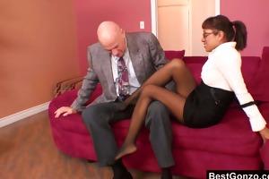 office slut needs a feet massage