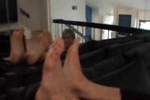female-dominator feet