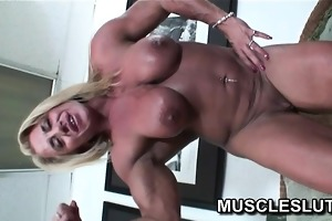 muscle bitch dildoing her cum-hole