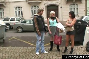 hooker granny is picked up and screwed in hotel