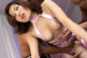 a hawt japanese hotty gets her face hole and slit