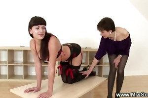 domme drubbing a kinky playgirl