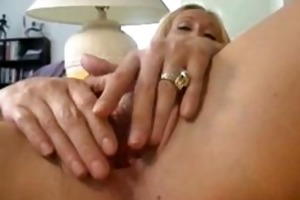 blond mother i plays with her pussy