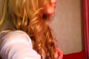 nice-looking blond dildoes her pussy1.flv
