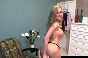 pornstar d like to fuck toys on webcam