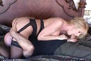 wife beth slurping a large penis