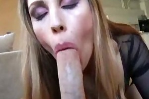 nice-looking doxy with dick licking skills
