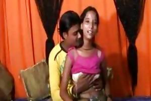 an 18 year mumbai cute cutie doing sex with her