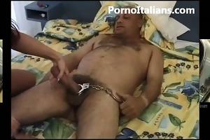 69 italiana ciuccia cazzo duro mentre si fa