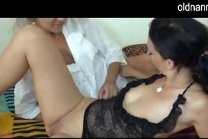 aged licking pussy of a cutie