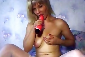 russian aged mommy playing with dildos part 1