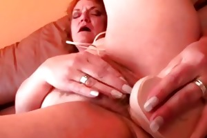 bulky older granny dildo fucking her fur pie
