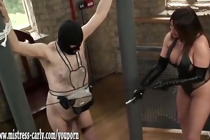 hawt dominatrix-bitch in latex spanks maid and