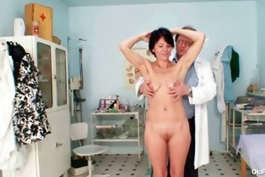 slim mother i weird vagina fingering by gyno