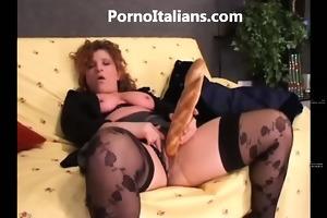 amatoriale italiano - moglie si masturba e scopa
