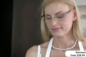 blond stepmom darryl hanah irresistable