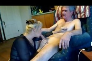aged playgirl sucks hubbys cock and eats his load