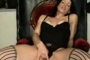 dark brown mother i squirts love tunnel juice