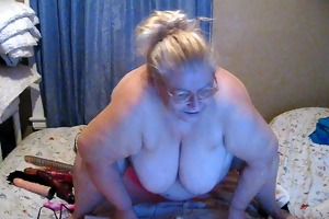 playing on livecam new toy