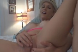 dilettante d like to fuck takes on dildos and her
