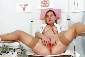 unpretty elder mamma wears nylons and toys hersel