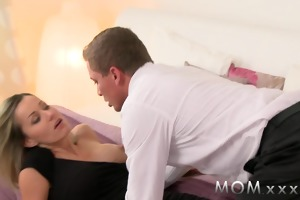 mama golden-haired d like to fuck makes love to