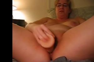 mature big beautiful woman masturbation