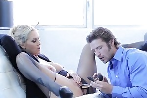 manager licking very sexy older cum-hole julia ann