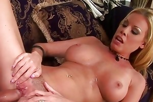 wild d like to fuck nicole sheridan has a steamy