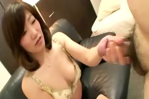 older japanese maiko seduces man