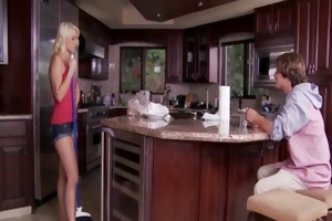 anikka allbrite knows how to receive her chap to