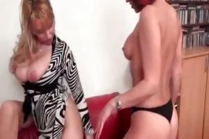 hawt golden-haired hottie gets her slit licked