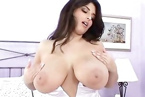 seductive dark brown d like to fuck masturbates