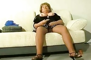 chubby older cougar receive horny