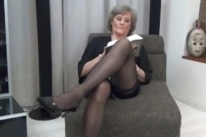 aged housewife in hot darksome nylons part1