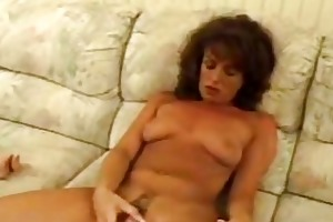 aged chick toying unshaved fur pie