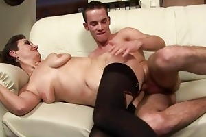 sexy mother i takes a juvenile dude in her throat