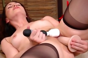 squirting milf has multiple orgasms