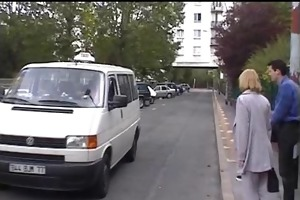 epouse offerte pour payer le taxi