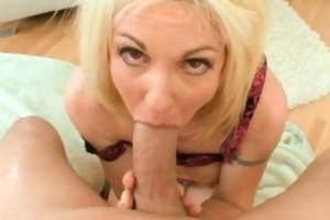 wicked blond mommy is swallowing cum