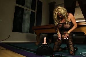 breasty rachel aziani rides the sybian sex machine