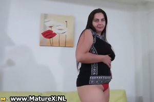 bulky older housewife with a large part2