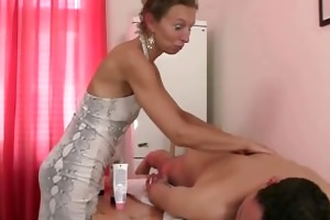 granny masseuse getting her hairy gap pounded